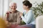 Seniorenbetreuung zu Hause – wer kann helfen?
